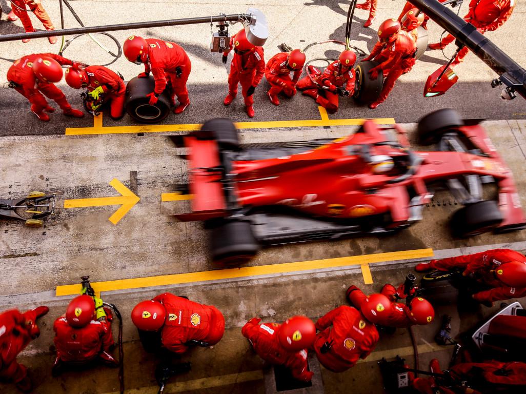 Sebastian Vettel blurred pit stop