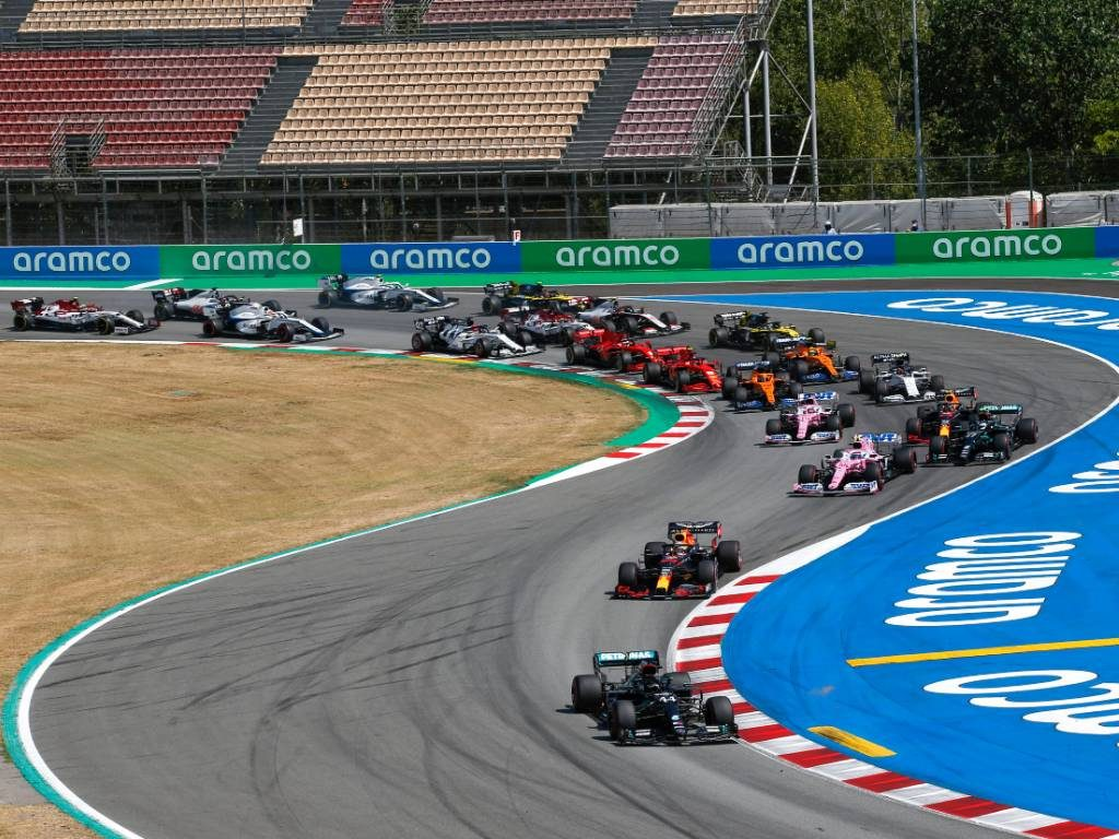 Formula 1 have quickly knocked down a report that the sweeping rules changes planned for 2022 will be delayed by another year.
