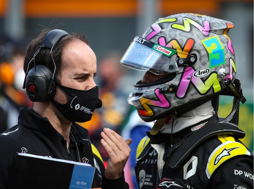 Daniel Ricciardo and engineer