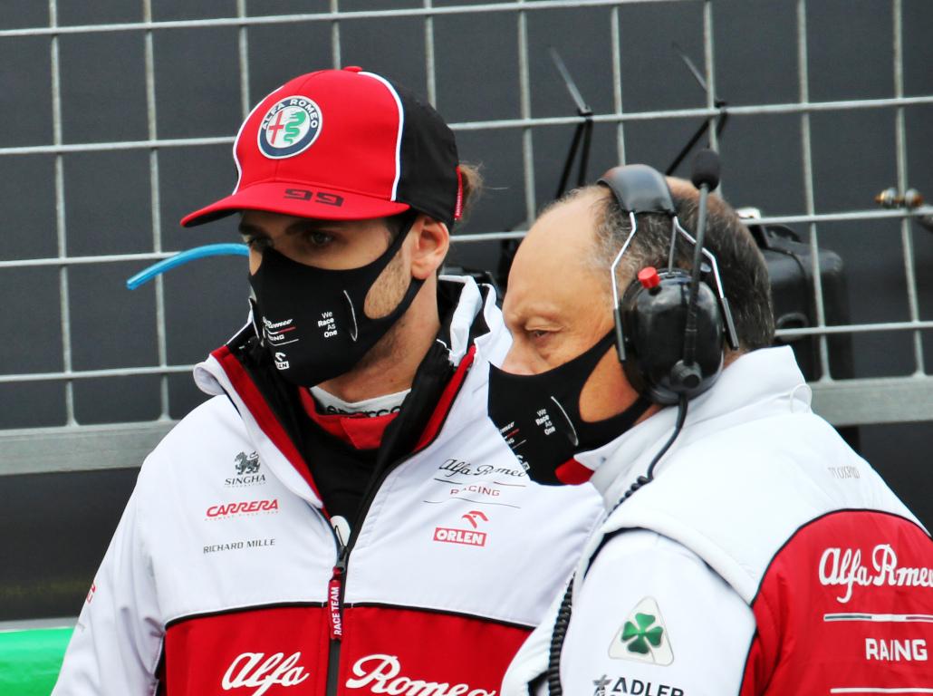 Antonio Giovinazzi and Fred Vasseur.jpg Alfa Romeo