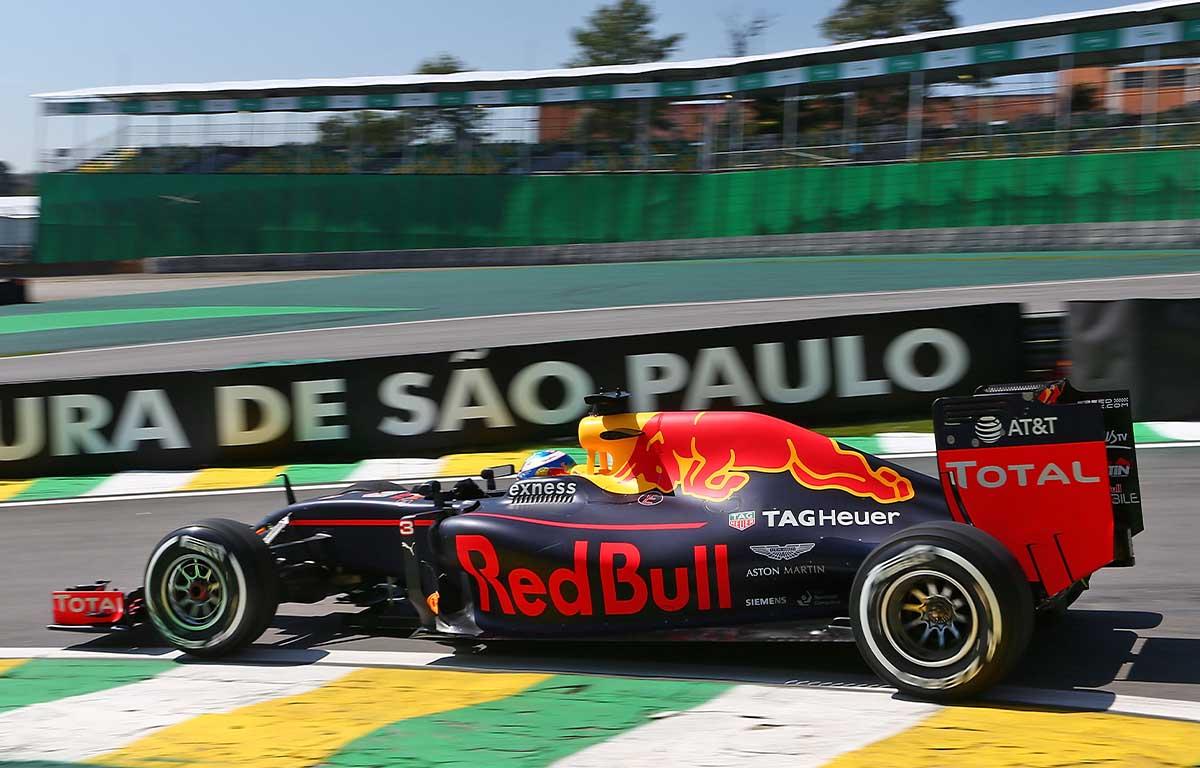 Red Bull RB12 Daniel Ricciardo