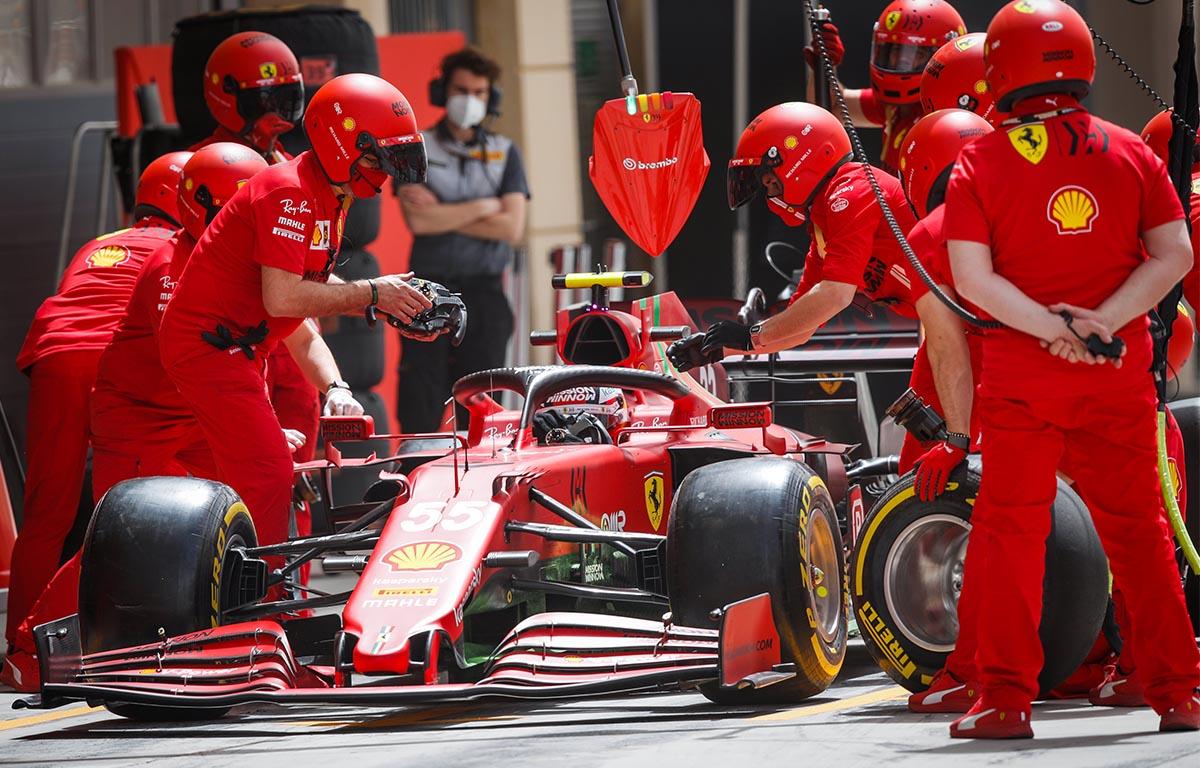 Carlos Sainz Ferrari pitstop PA
