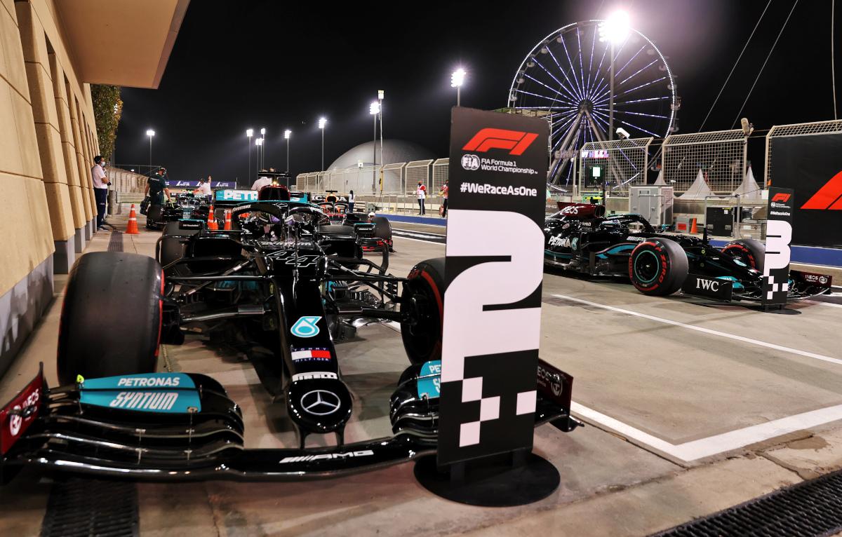 Lewis Hamilton 2 Valtteri Bottas 3 Mercedes