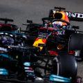 Lewis Hamilton in front of Max Verstappen
