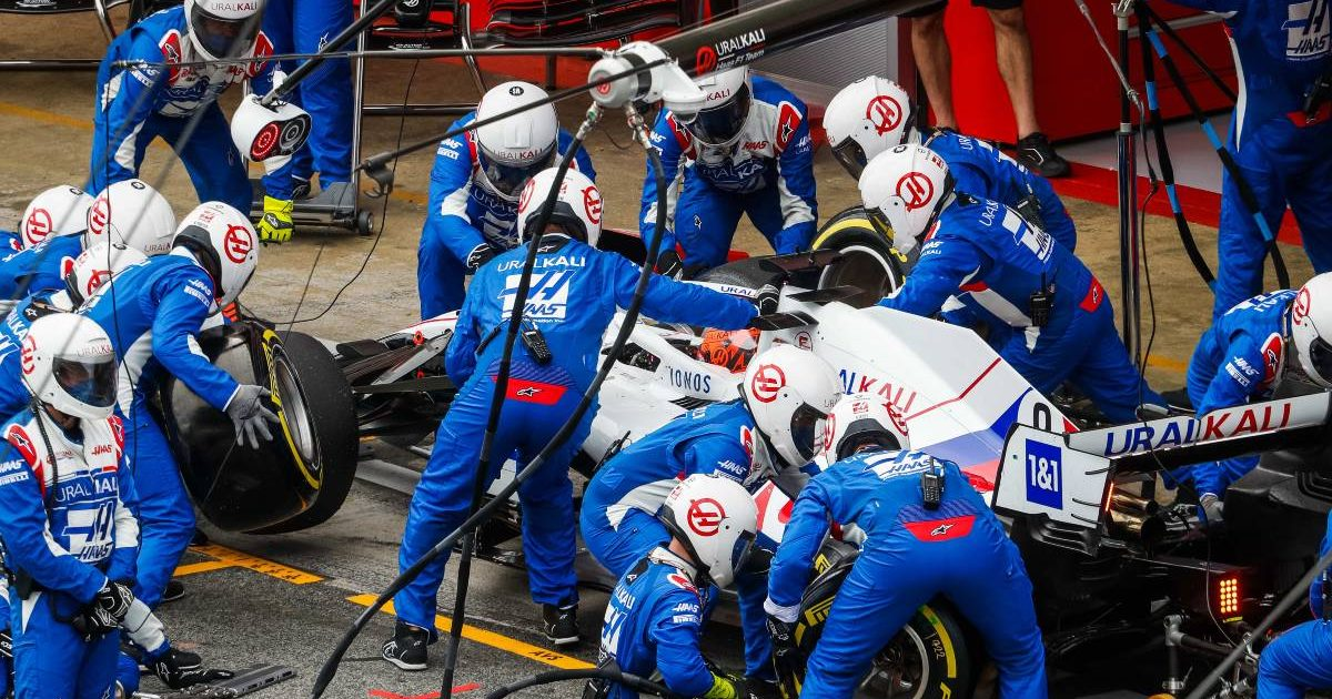 Nikita Mazepin, Haas, pit-stop during the 2021 Spanish Grand Prix