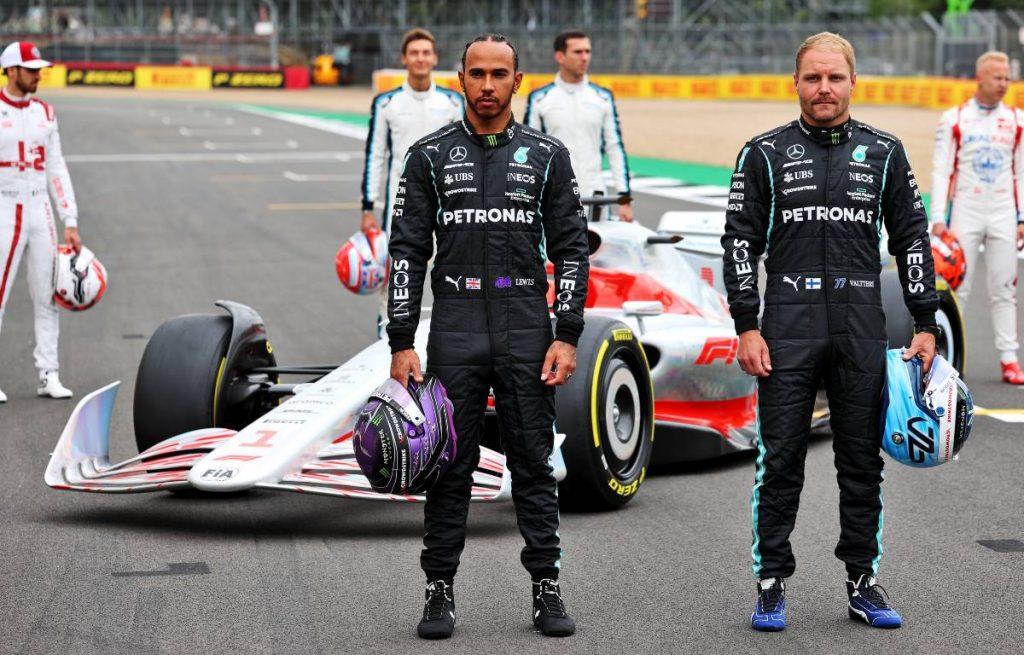 Lewis Hamilton Valtteri Bottas 2022