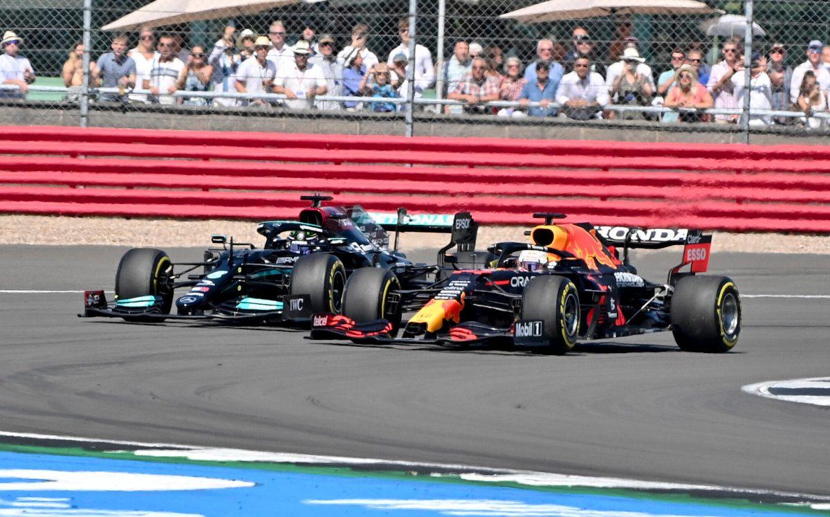 Bataille entre Lewis Hamilton et Max Verstappen
