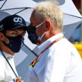 Pierre Gasly looks at Helmut Marko. Hungary 2021.