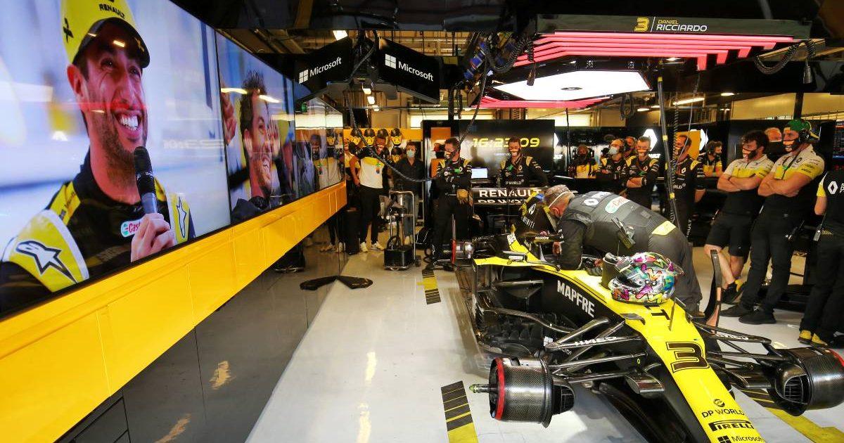 Daniel Ricciardo's Renault car in the garage. Abu Dhabi, December 2020.