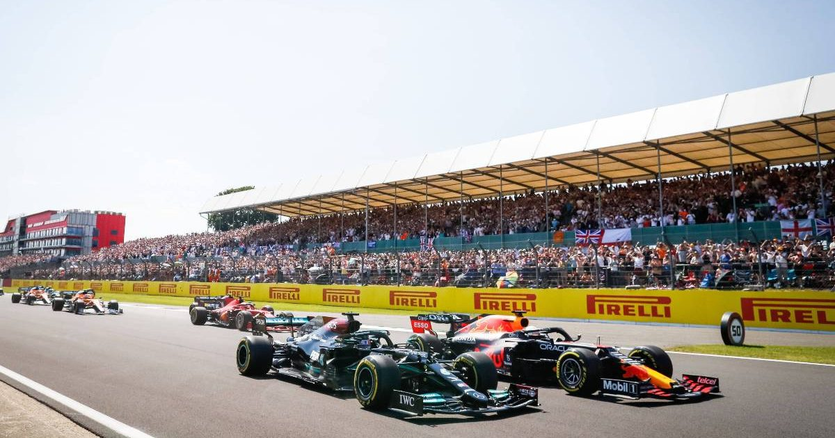 Lewis Hamilton and Max Verstappen side by side at the start of the British GP. Silverstone July 2021.