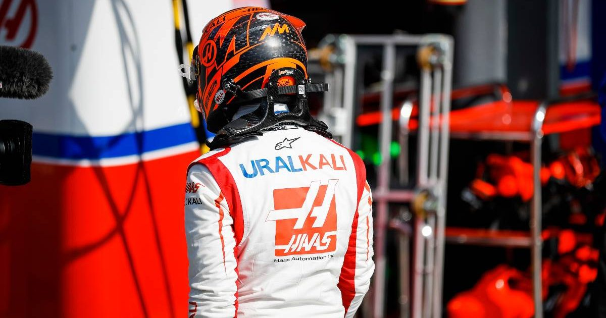 An angry Nikita Mazepin returns to the Haas garage. Netherlands, September 2021.