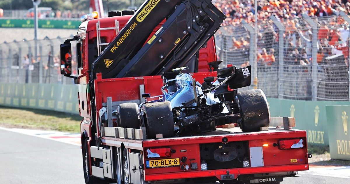 Nicholas Latifi's crashed Williams is returned to the pits during qualifying for the Dutch GP. Zandvoort September 2021.
