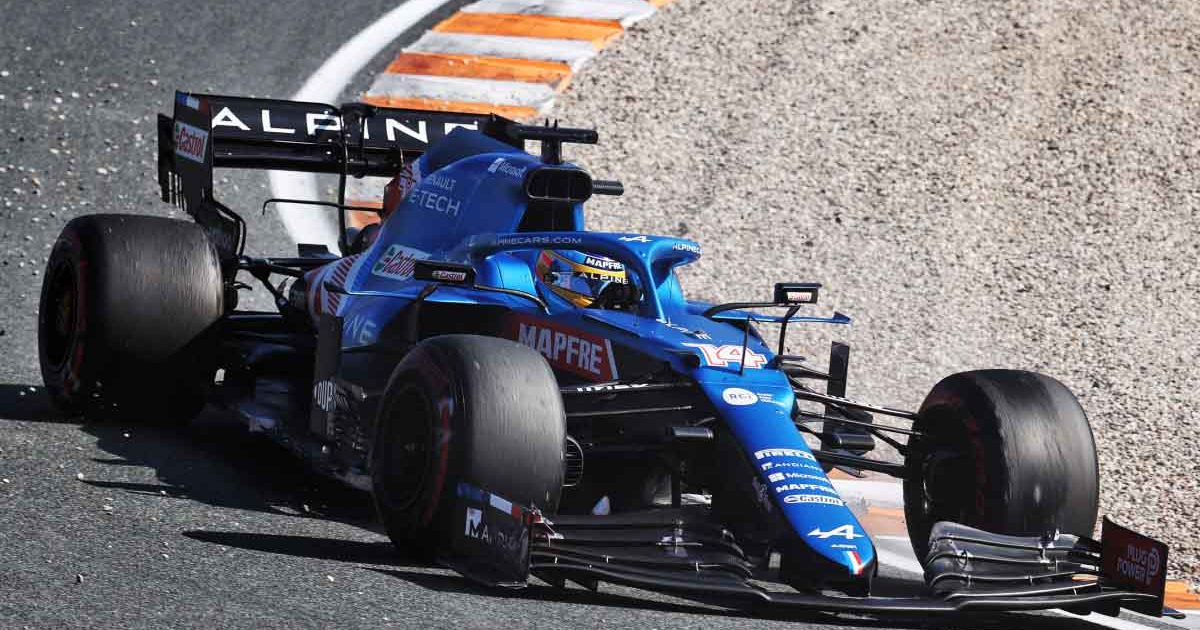 Fernando Alonso drives around Zandvoort.