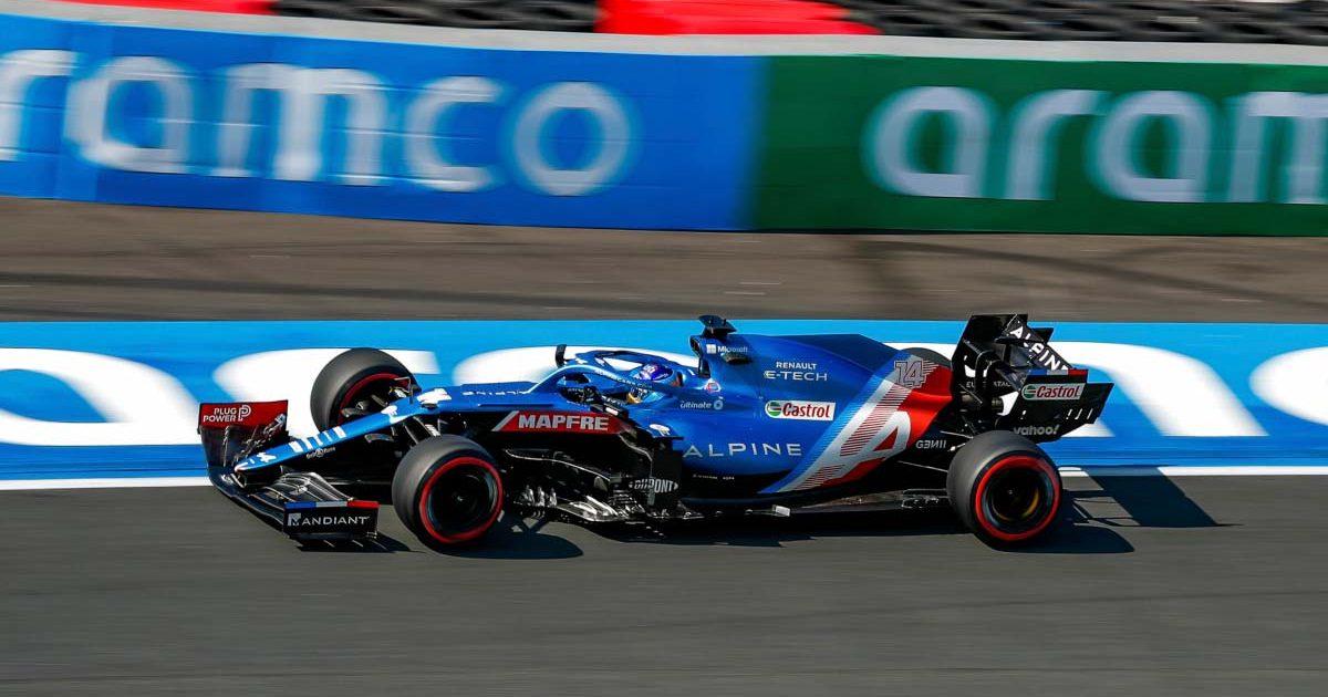 Fernando Alonso drives Turn 3 at Zandvoort.