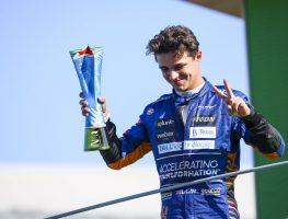 Lando Norris在意大利大奖赛中庆祝P2。9月2021年。