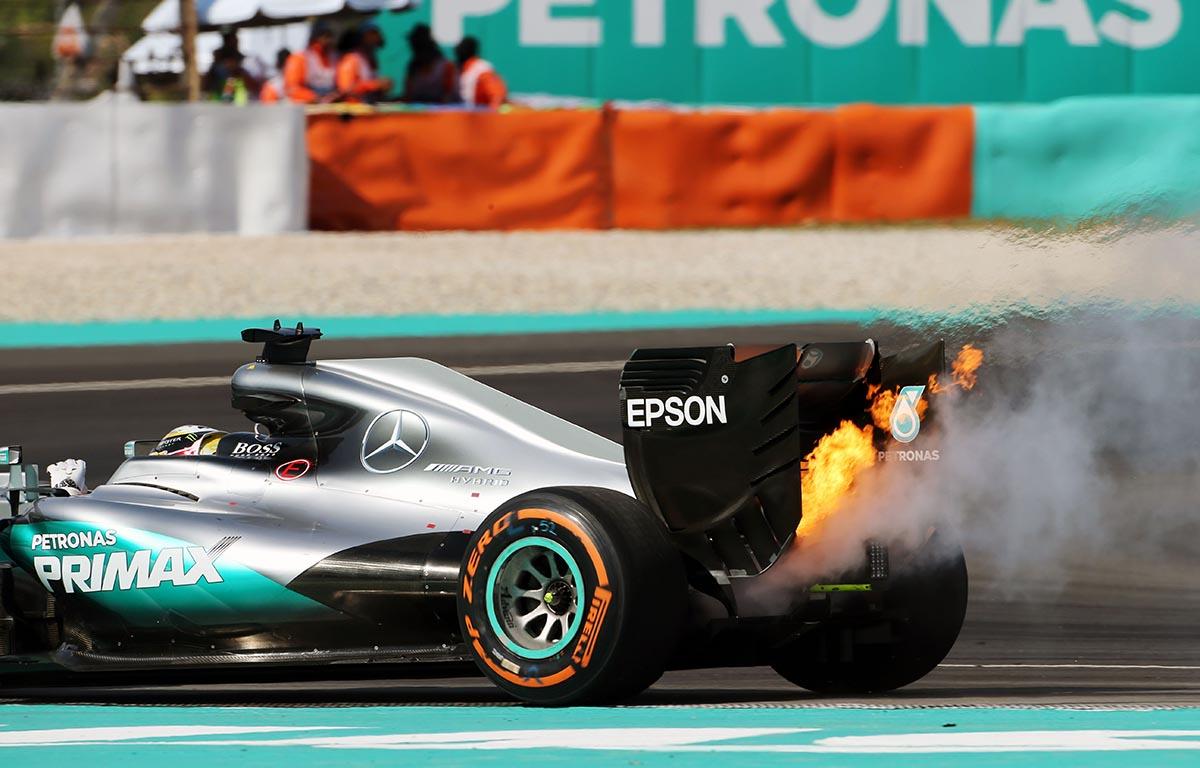 Lewis Hamilton retires from 2016 Malaysian Grand Prix. Malaysia 2016