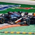 Max Verstappen越过了香肠路缘。意大利,2021年9月。