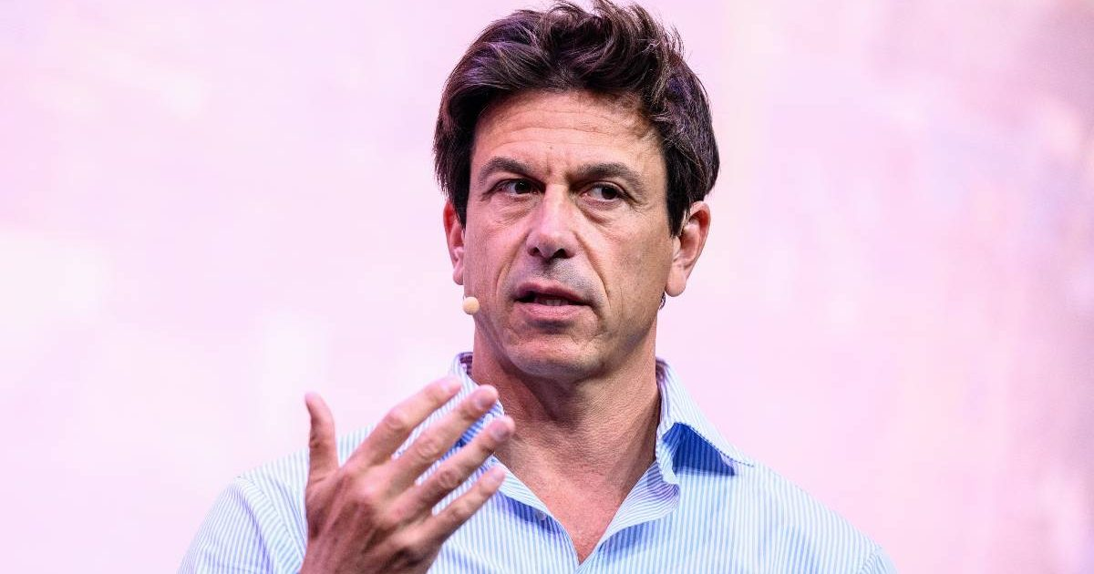 Toto Wolff talking during a panel event. Munich September 2021.