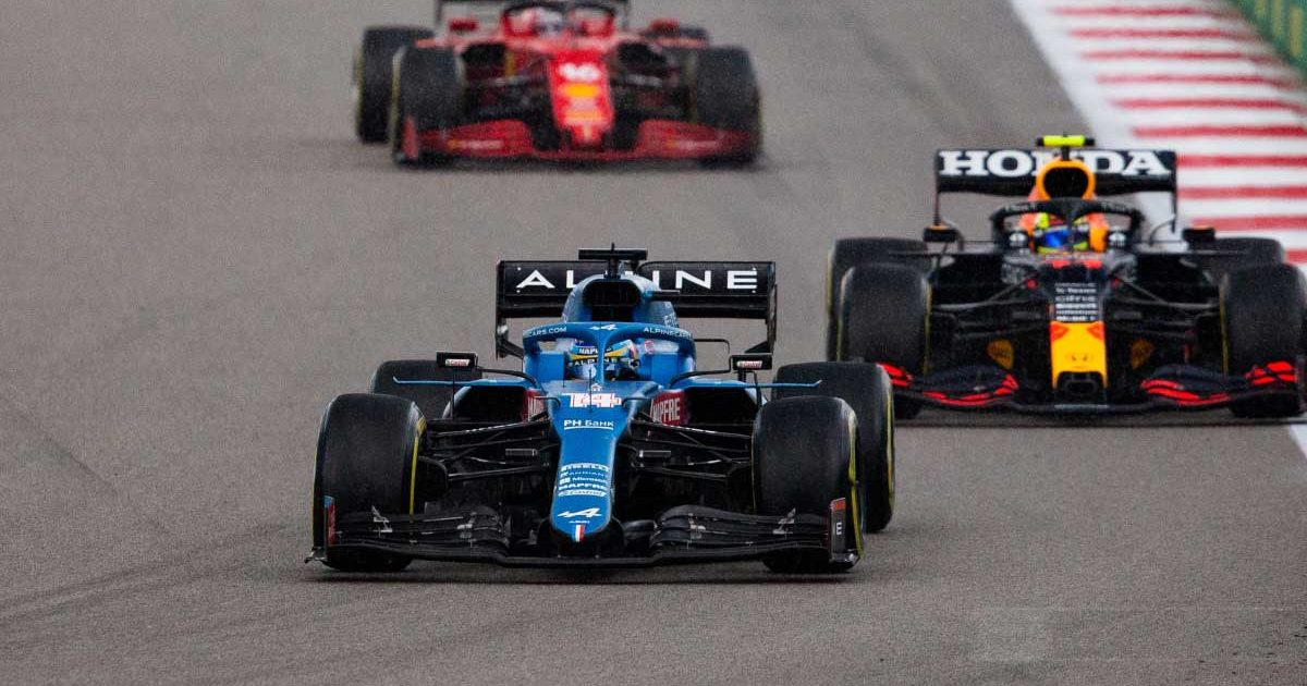 Fernando Alonso drives in the 2021 Russian GP.