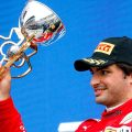法拉利车手卡洛斯·塞恩斯在索契领奖台上。
