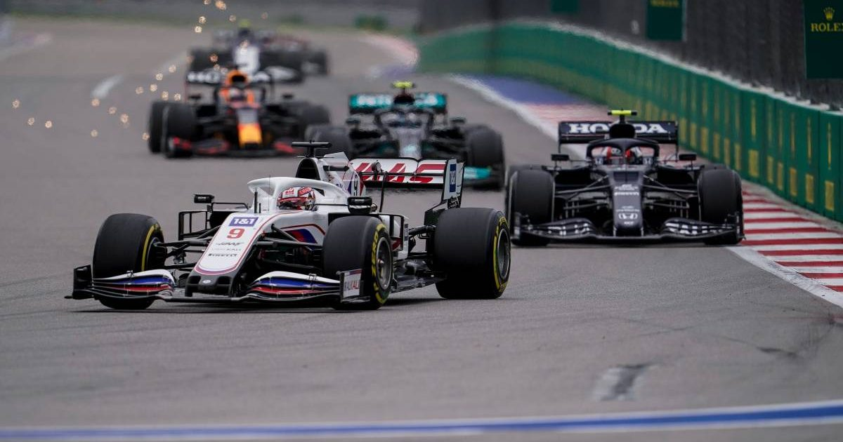 Nikita Mazepin heads a train of cars during the Russian GP. Sochi September 2021.