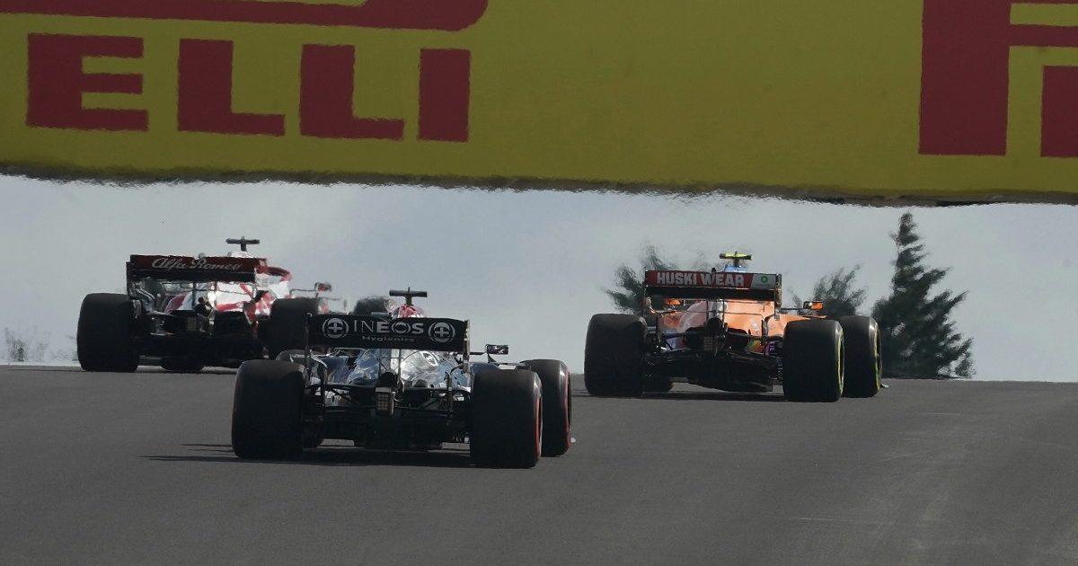 Lewis Hamilton follows Lando Norris and Kimi Raikkonen. Turkey, October 2021.