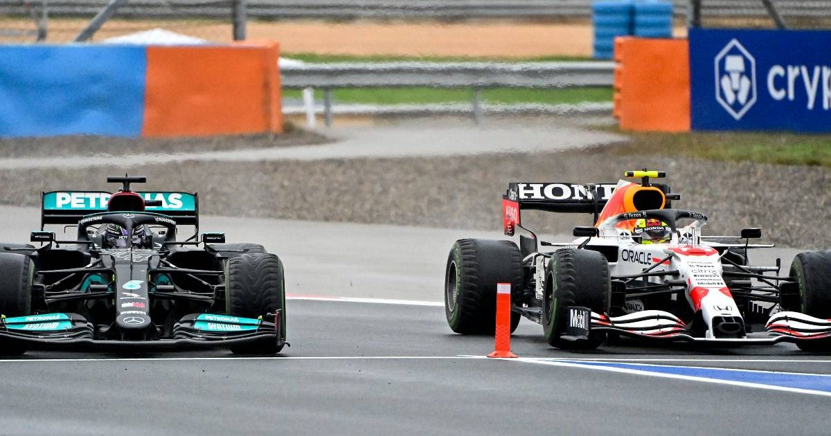 Lewis Hamilton sends Sergio Perez towards the pi entry. Turkey, October 2021.