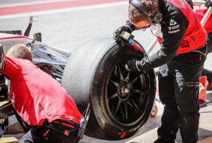 Alfa Romeo work on an 18-inch Pirelli tyre. Spain, May 2021.